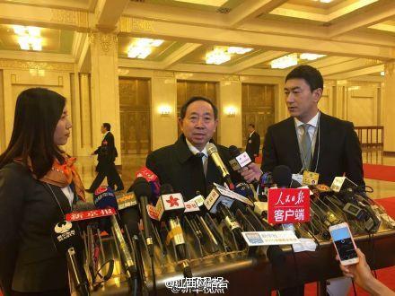 """教育部长袁贵仁:教育部建议推广""""多校划片"""""""