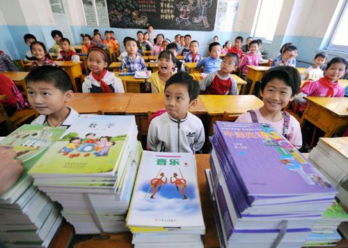 莫言:中小学12年应缩短为10年