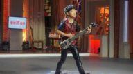 《家庭幽默录像》9岁吉他小高手现场秀技  16秒弹完751个音符