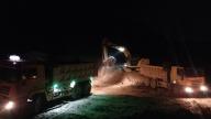 挑灯夜战,萍乡市国盛土地综合整治中心迅速推进耕作层土壤收储工作