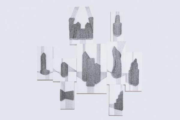 《线性城市2》  谭丹武  高温瓷、木板  2018年