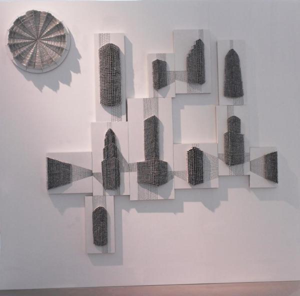 《线性城市》  谭丹武  高温瓷、木板  2017