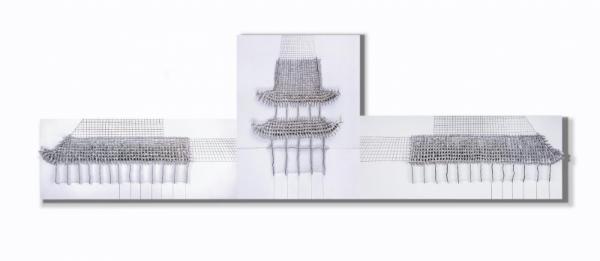 《筑城》  谭丹武  高温瓷、木板  2019年
