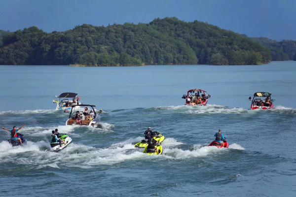 水上摩托艇 庐山西海景区供图