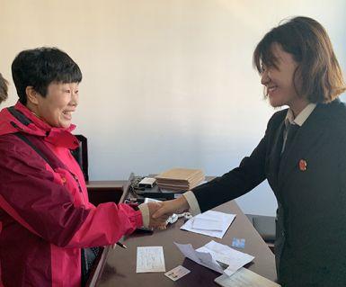 法院给力 北京一老字号13名工人拿到70余万拖欠工资