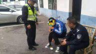 上栗:驾驶员突发疾病  交警全力救助