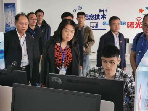 钟阳萍副主任视察第46届世界技能大赛江西省选拔赛云计算项目