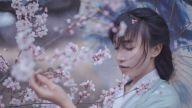 """李子柒是一个生活镜像而非""""文化英雄"""""""