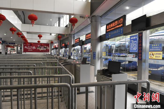 黄山风景区换乘中心已不再运送游客进山。 蔡季安 摄