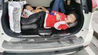 为逃交警查处 司机将两名孩子塞进后备箱