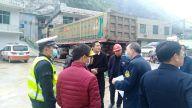 宜春交警:大货车非法占道 多部门联合整治