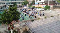 赣州南康区横市镇中心小学举行特殊的升旗仪式