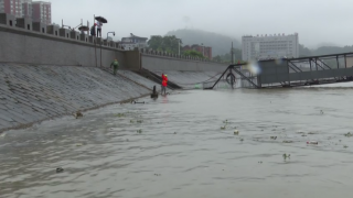 鄱阳湖发生倒灌 水位持续上涨