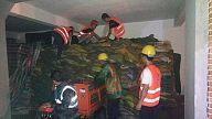景德镇:紫晶国际会议中心项目部支援沿江东路中渡口防汛救灾