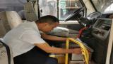 赣州市南康区横寨乡中心小学对辖区幼儿园校车进行安全排查