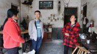 萍乡上栗县委组织部、县公安局在杨岐乡开展城镇脱贫解困走访慰问