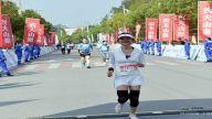 3000名选手畅跑阳明湖畔 赣州上犹马拉松开跑