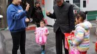 萍乡安源区东大街开展关爱儿童送温暖活动