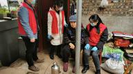 萍乡白源街:关爱空巢老人 荷塘社区党员志愿者在行动