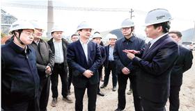 重视产业发展 支持高新区发展