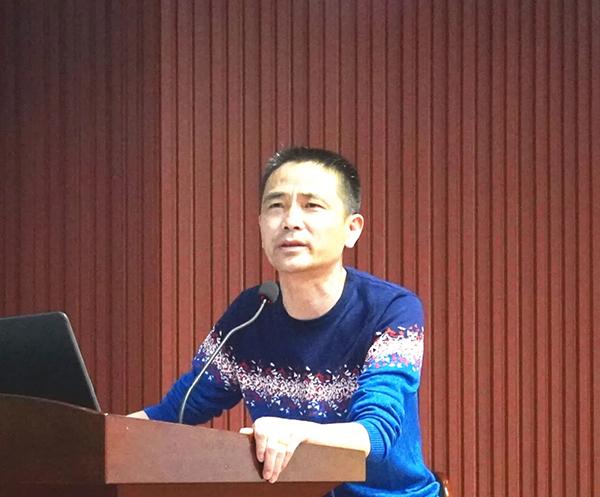 交通运输管理局综合业务股股长刘斌斌参加