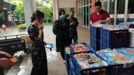 赣州上犹二小推出家长陪餐制  共同参与学校食堂管理活动