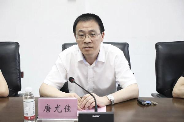 生命活水医疗集团党委委员、副院长唐尤佳