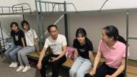 新余马洪办:看望慰问中考师生 为中考加油鼓劲