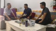 上饶市玉山县必姆镇党委书记刘晨涛一行走访看望退休老干部和老党员