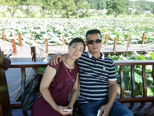 粟登軒和丈夫黎心明在胡耀邦故居