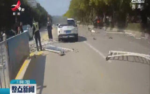 华人娱乐app下载寻乌:司机加塞不成变路怒 最终酿成交通事故