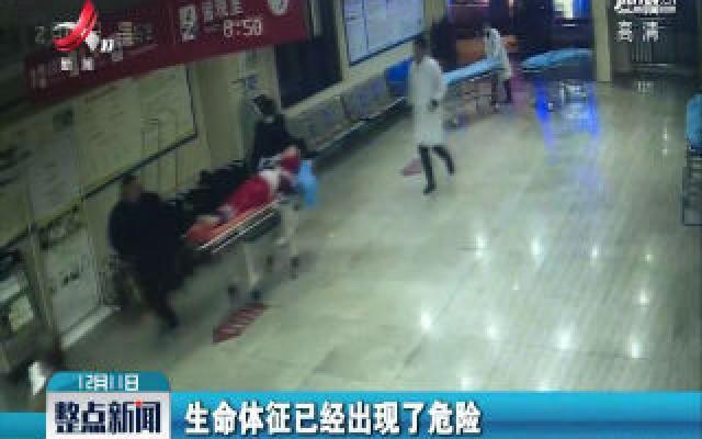九江修水:急救人员挨户敲门寻找 成功救助昏迷母子