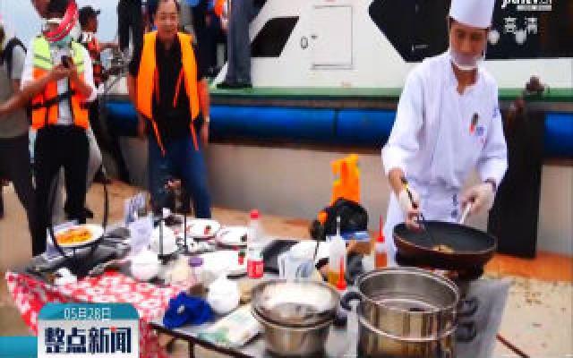 福建:海上渔排变直播间 为滞销鲍鱼拓销路