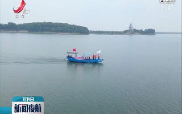 上饶鄱阳湖江豚核心保护区:江豚结伴嬉戏
