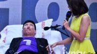 感恩母亲男人体验分娩阵痛 名嘴金飞红歌手伊恩参与挑战